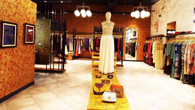 Label By Ritu Kumar >> Ritu Kumar unveils new store at Quest Mall