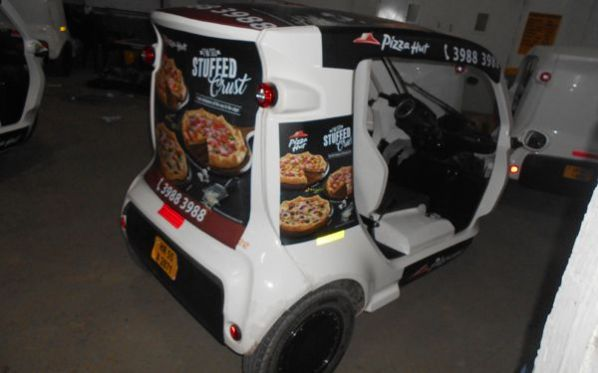Pizza Hut rides cable cars in Gurgaon's Cyber Hub