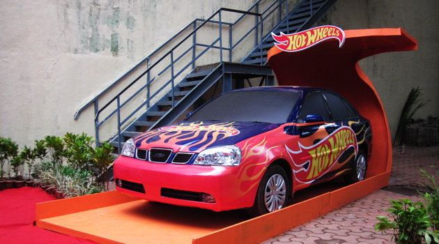mattel toys creates impact with larger than life display of hot wheels - Real Hot Wheels Cars