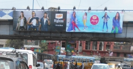 Dollar creates a buzz in Outdoor with Bollywood stars