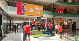 Adidas engages football maniacs through interactive DOOH
