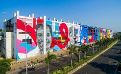 Mega mural at Chennai station spread AIDS awareness