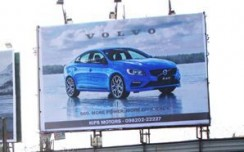 Volvo in top gear on Mumbai OOH streets