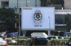 Samsung Gear S2  goes innovative with its OOH campaign