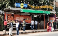 Big FM goes live at JCDecaux bus shelters in Delhi with romantic hits