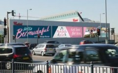 Digital billboard ads target wealthy drivers in UK